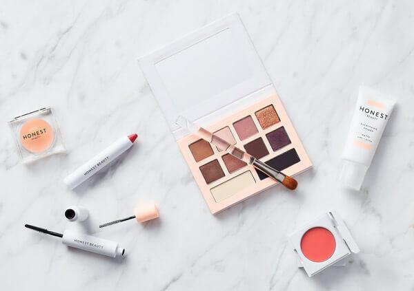 Simple eye makeup set