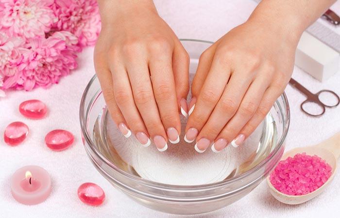 College Beauty Hacks: Dry Nail Polish Quick