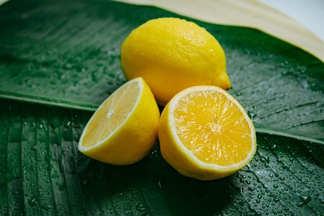 Lemon- tips for oily skin