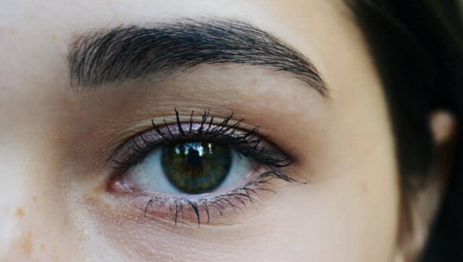 Thick-eyebrows