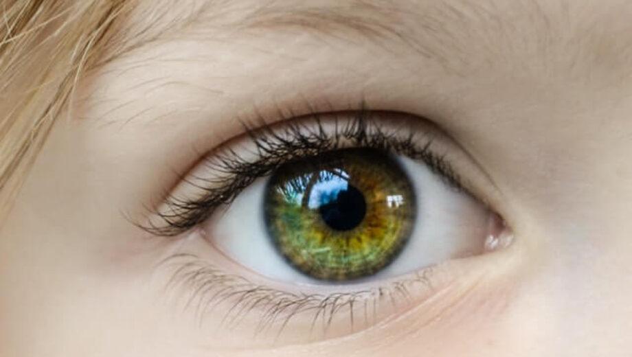 closeup-photo-of-human-eye-862122 (1)