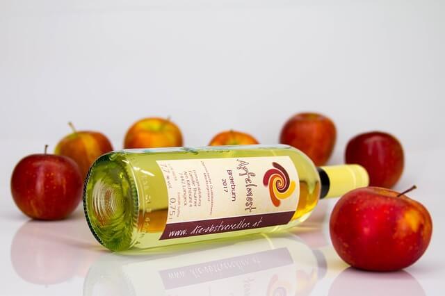 apple cider vinegar- DIY Makeup Brush Cleaner