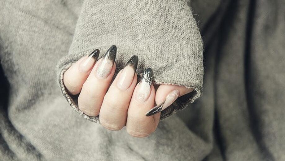 gel-nails-1878296_640 (1)