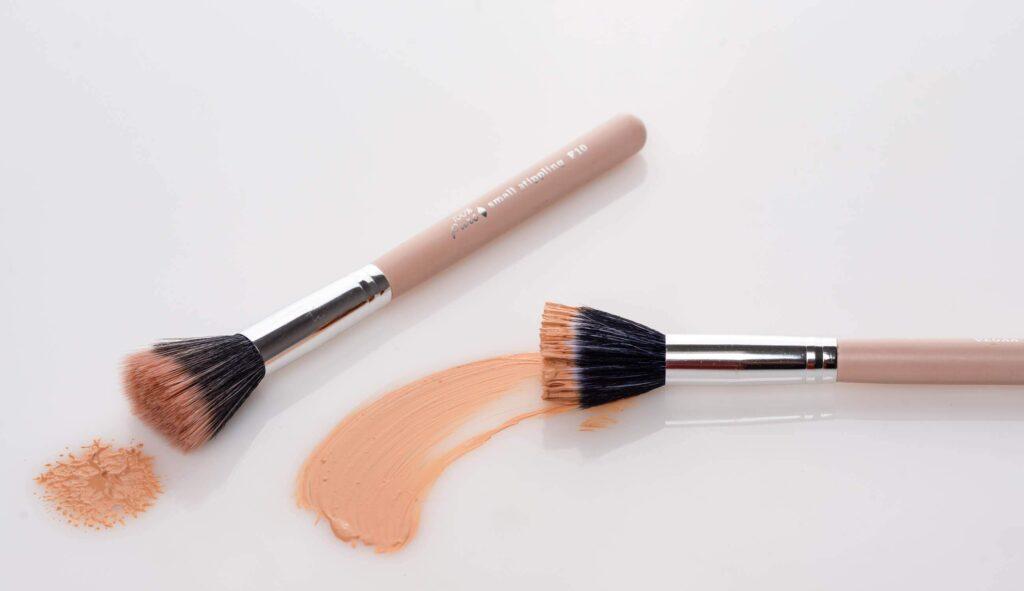 stippling makeup brush