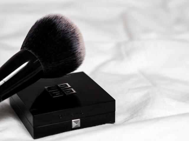 stippling brush for blush