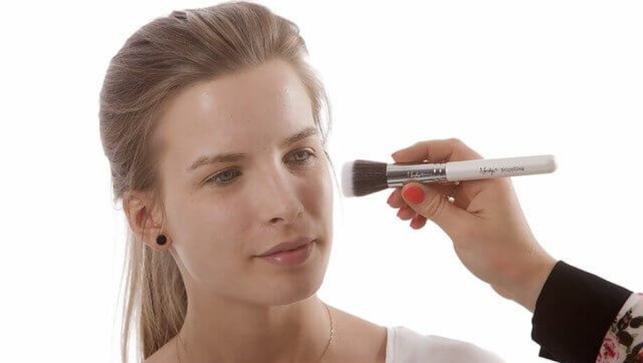 makeup-brushes-824706_640 (1)