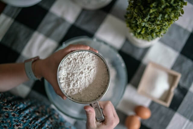 gram flour for dark neck